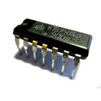 К157УД2  Микросхема